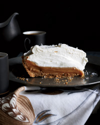 201111-r-salted-caramel-pie