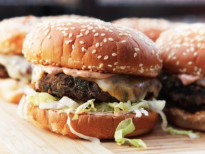 20140324-black-bean-burger-recipe-food-lab-primary-final-thumb-625xauto-390520