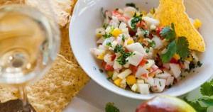 Apple_Mango_Crab_Meat_Salad_w__Tortilla